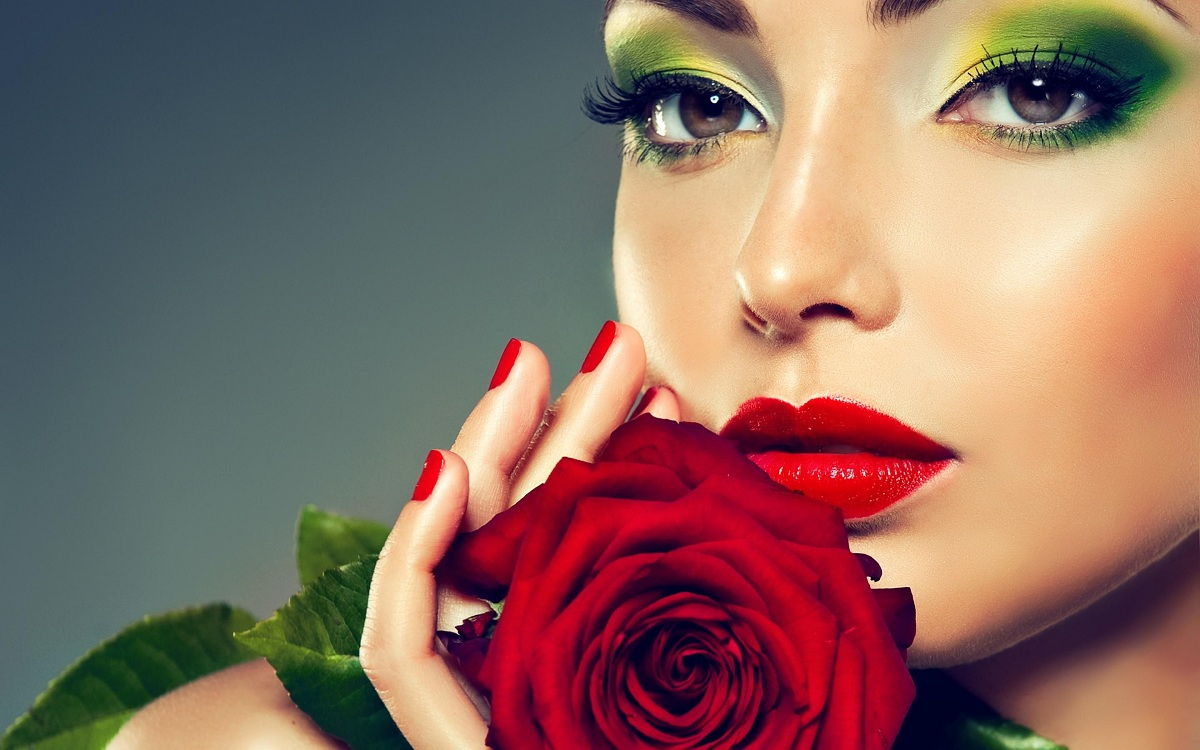 An Elegance Expert's Beauty Trends for 2012