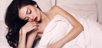 Why Should You Never Sleep With Makeup? Discover The Answer Now