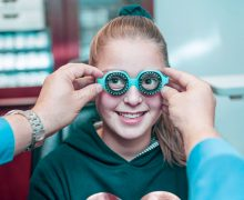 What is the Difference Between an Optometrist and an Optician?